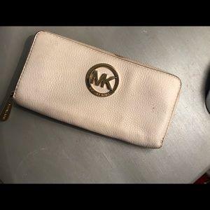 Michael Kors  leather wallet✨